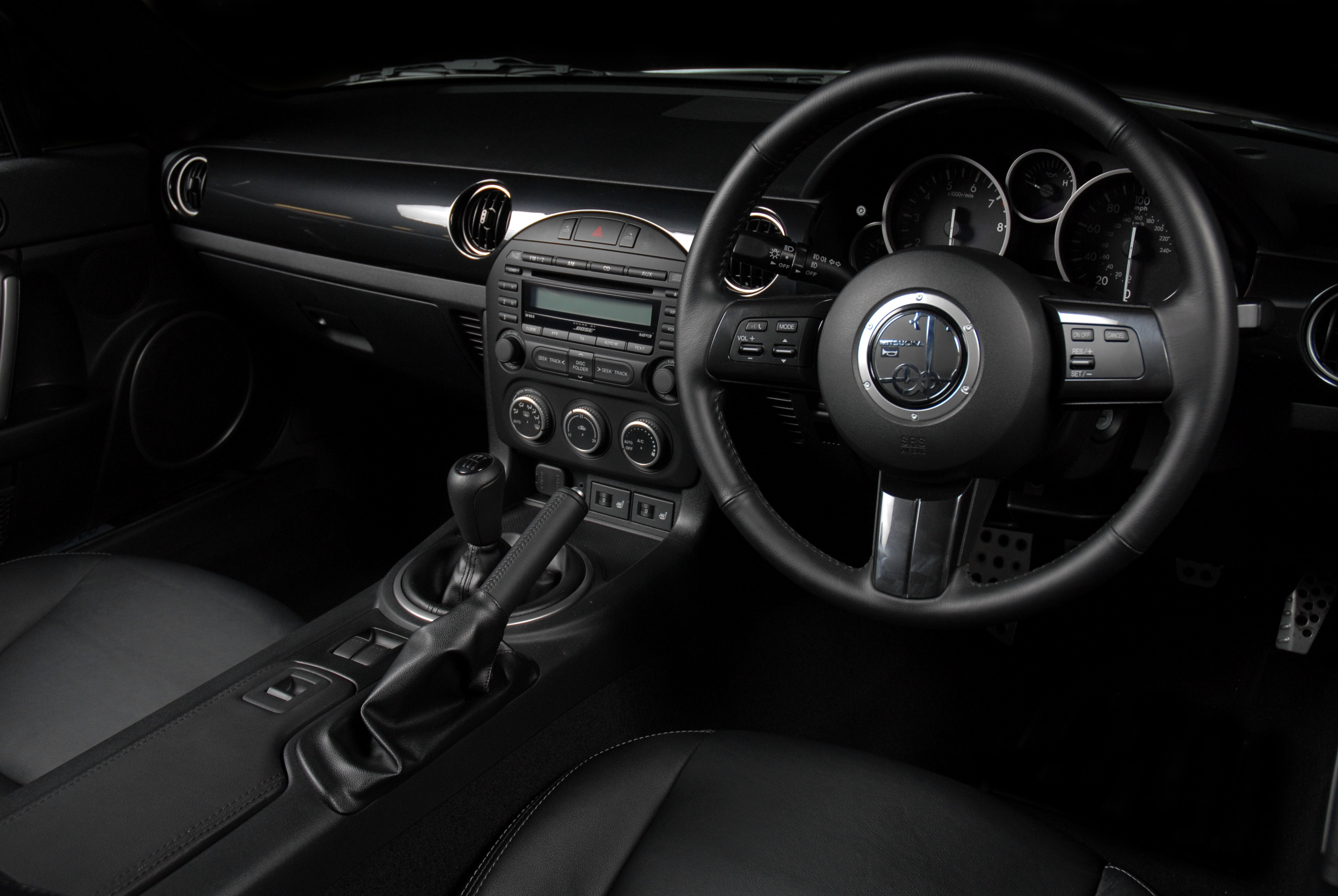 Mitsuoka Roadster interior