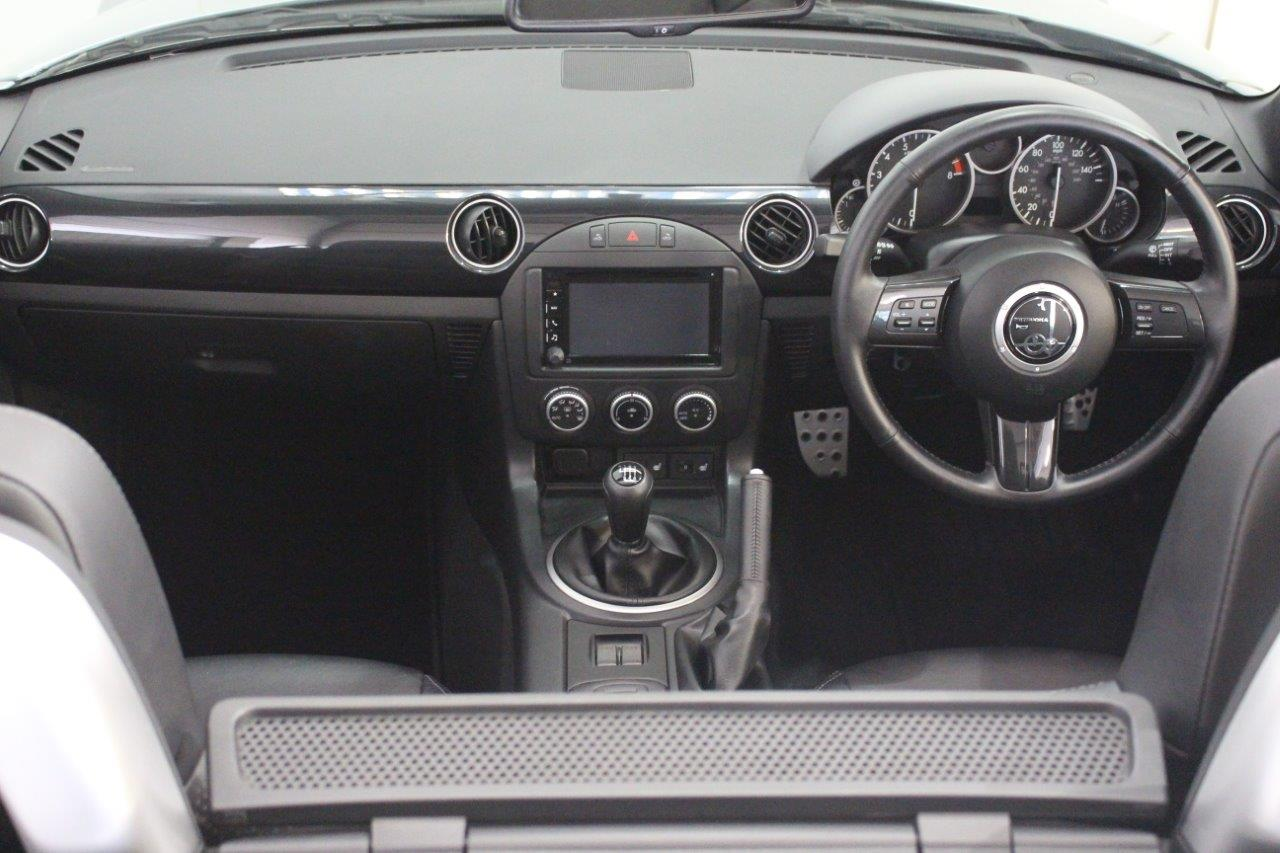 mitsuoka roadster interior dashboard