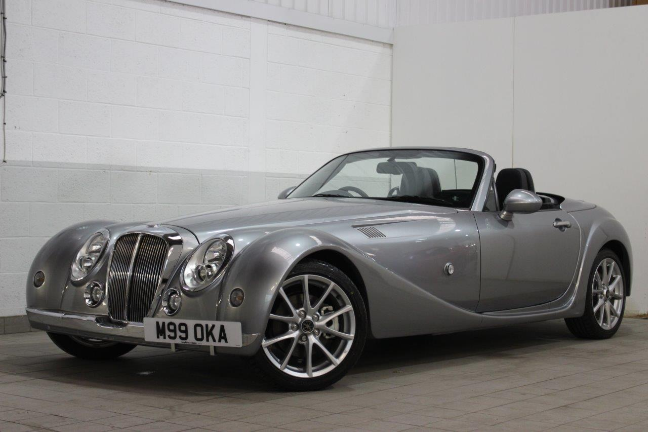 mitsuoka roadnster front three quarter image