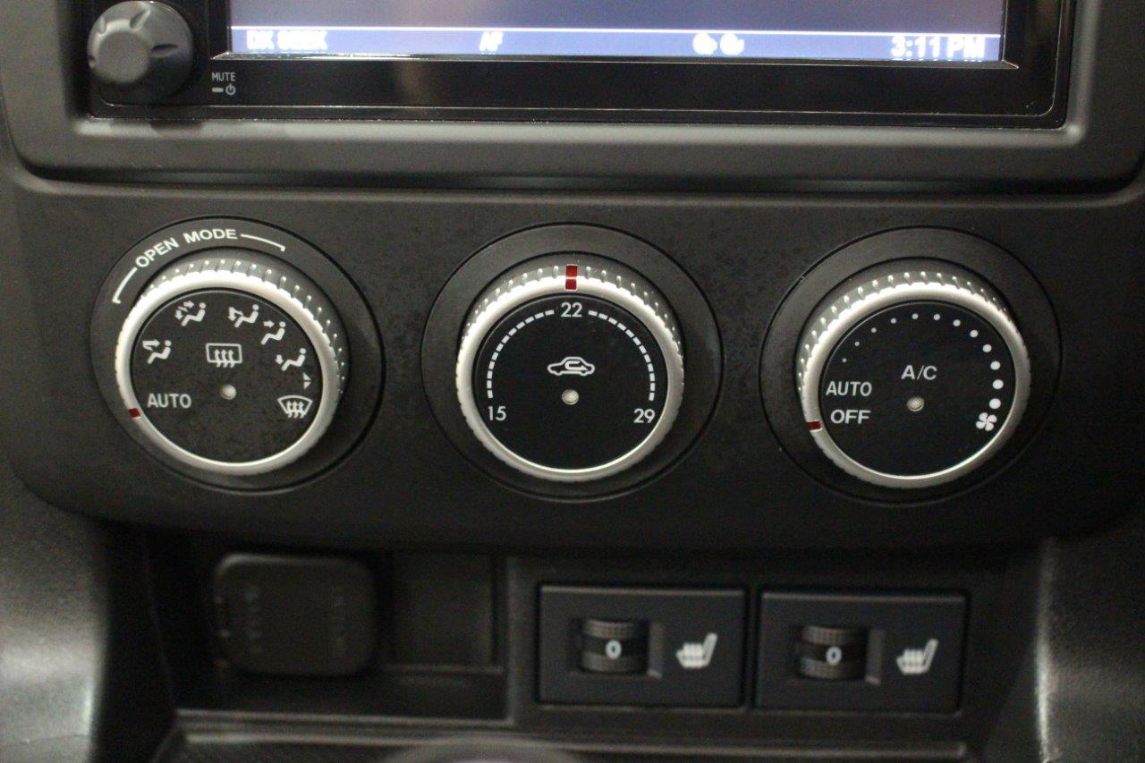 mitsuoka roadster air conditioning controls